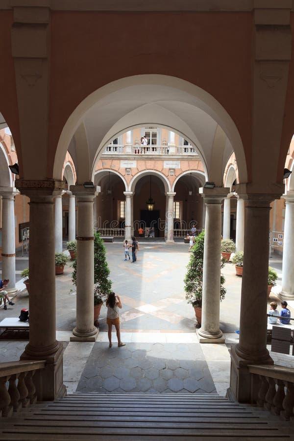 Cortile interno del palazzo Palazzo Doria Tursi, Genova fotografia stock