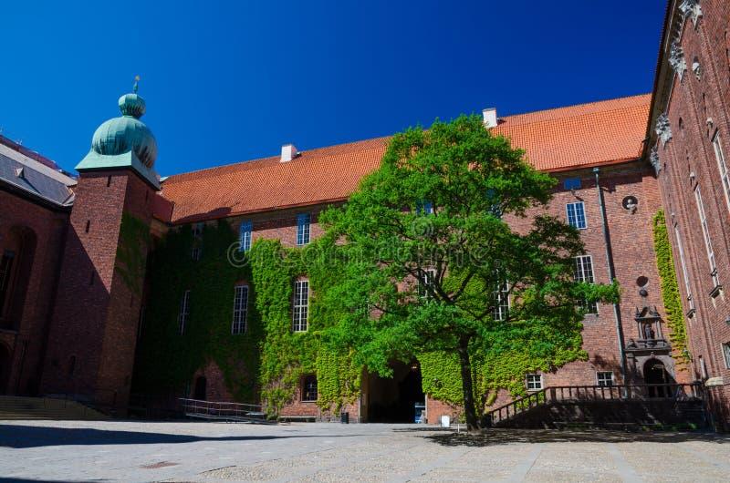 Cortile nella città Hall Stadshuset, Svezia di Stoccolma immagine stock