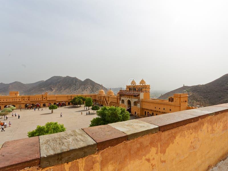Cortile in palazzo forte ambrato India fotografia stock