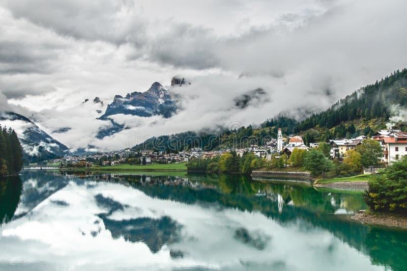 Cortina d'Ampezzo images stock