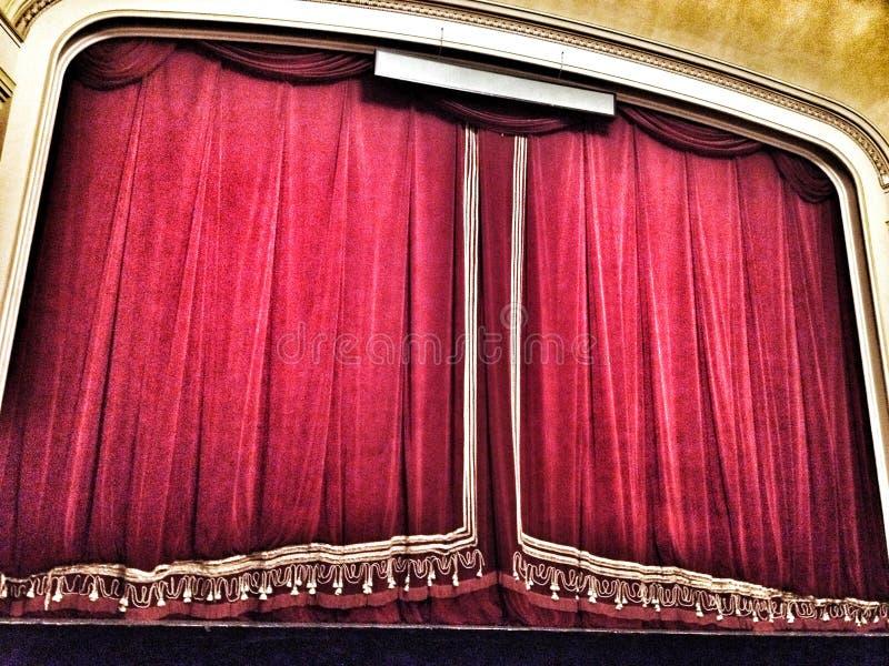 Cortina del teatro de la ópera de Bucarest foto de archivo libre de regalías