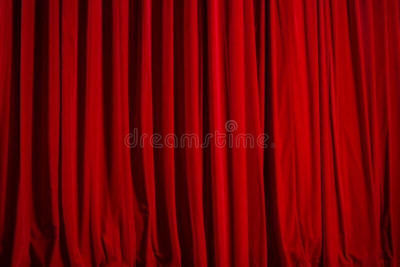 Cortina del teatro del terciopelo rojo imagen de archivo libre de regalías