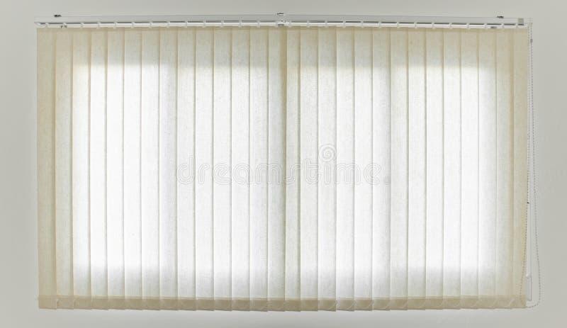 Cortina e janela brancas fotografia de stock royalty free