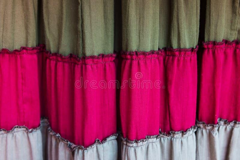Cortina ou cortina colorida velha de matéria têxtil fotografia de stock royalty free
