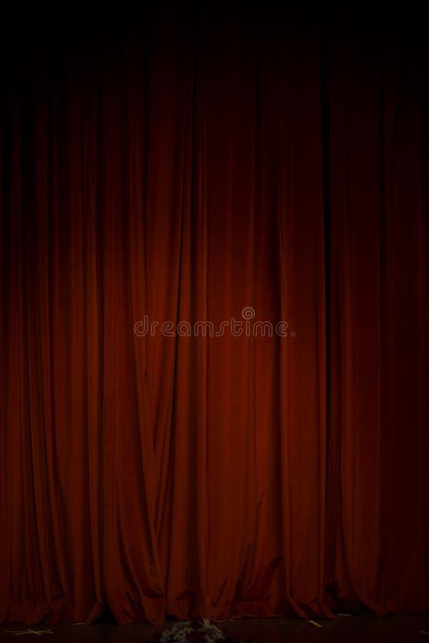 Cortina roja en el teatro fotografía de archivo libre de regalías