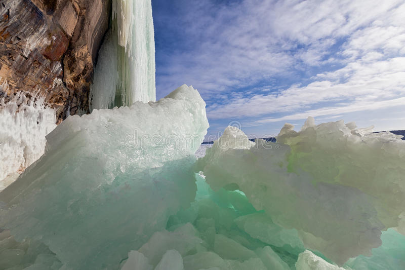 Cortinas quebradas del hielo fotos de archivo