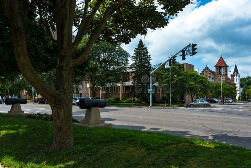 Cortland NY: Corthouse parkerar royaltyfri bild