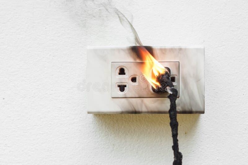 Cortocircuito di elettricità immagine stock