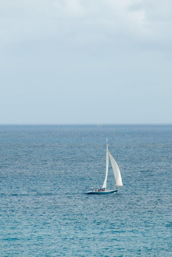 Corvetta di navigazione nello II caraibico fotografia stock libera da diritti