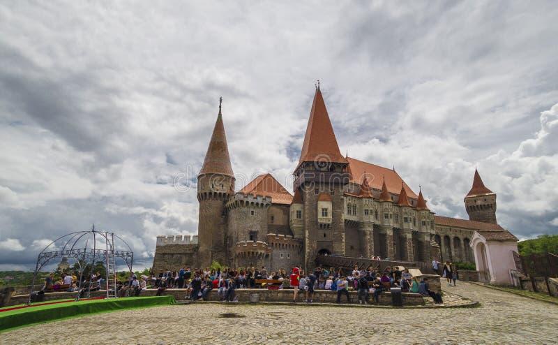 Corvin slott eller Hunyadi slott i Hunedoara, Rumänien arkivbilder