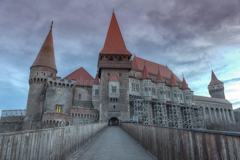 Corvin slott från Hunedoara, Rumänien royaltyfria bilder