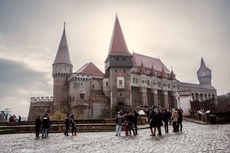 Corvin slott i Hunedoara Rumänien royaltyfri fotografi
