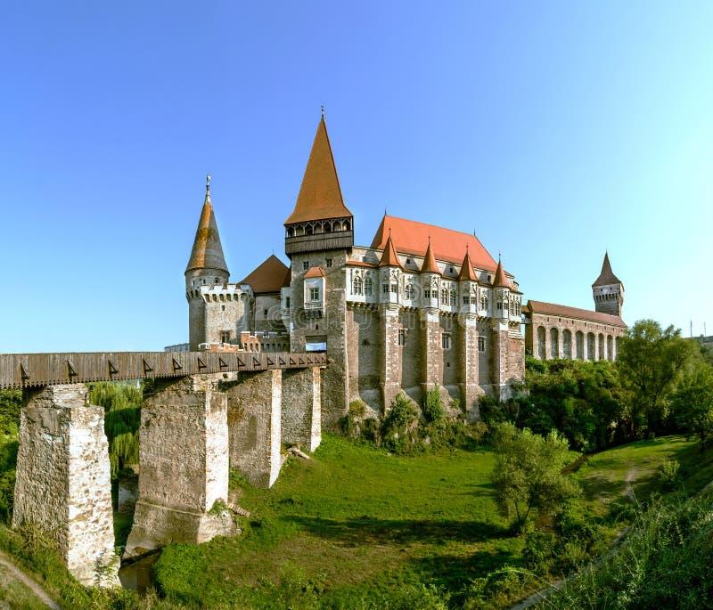 Corvin slott i Hunedoara, Rumänien royaltyfri fotografi