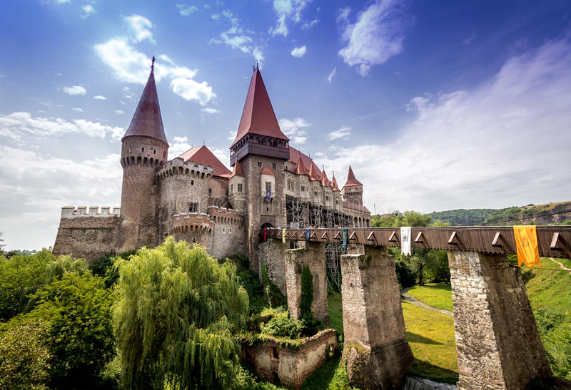 Corvins Castel Transilvania | Huniazilor slott royaltyfri foto