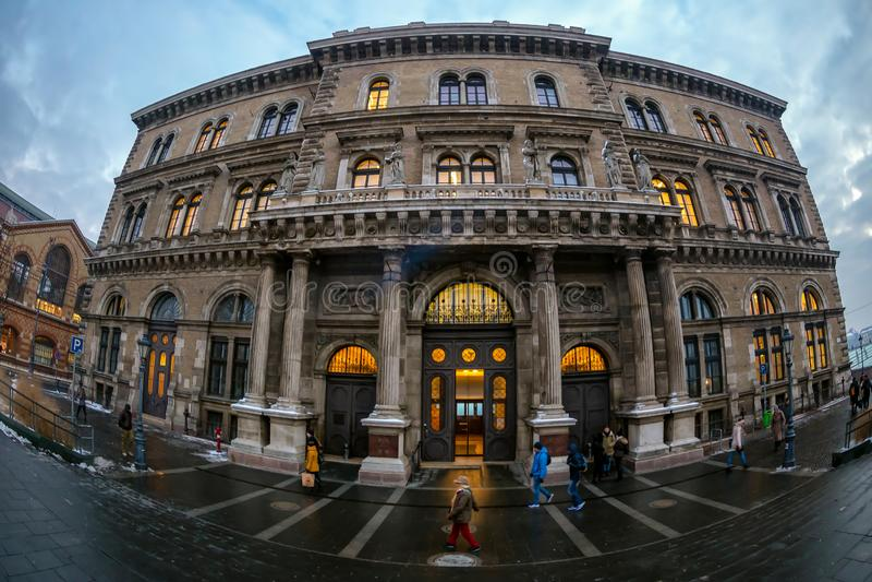 Corvinus怪杰俱乐部大厦,布达佩斯,匈牙利 免版税库存照片