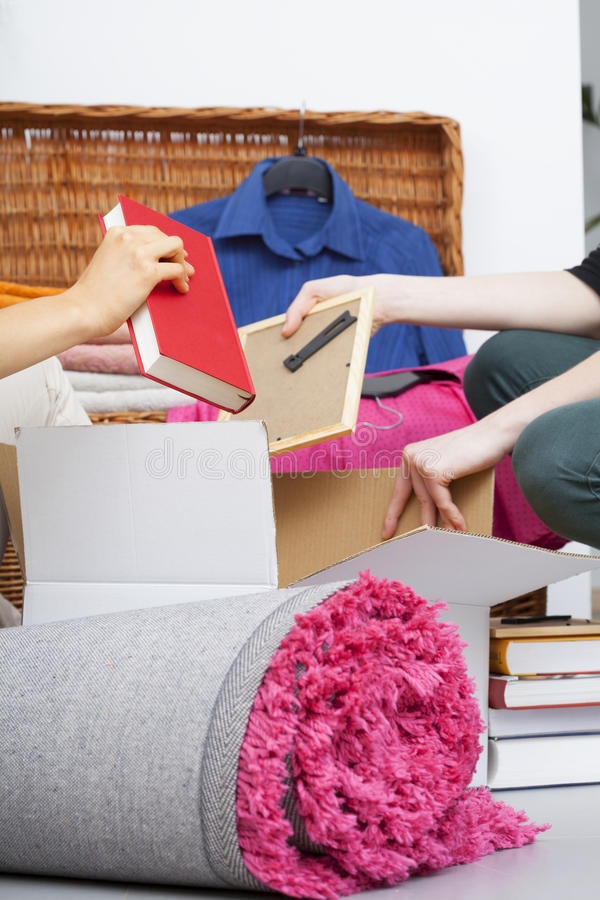 Cosas rosadas del embalaje fotos de archivo libres de regalías