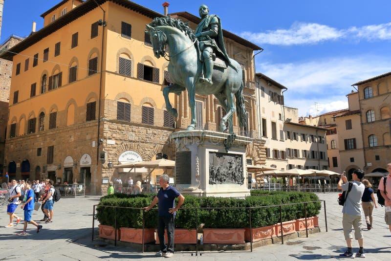 Cosimo de Medici骑马雕象在佛罗伦萨,意大利 免版税库存照片