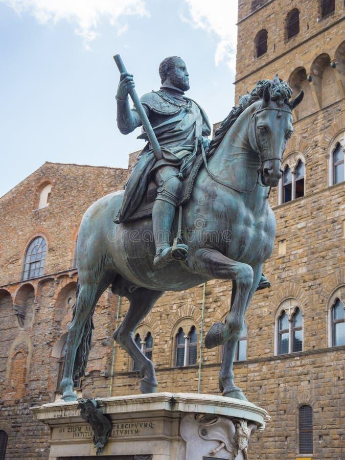 Cosimo Statue auf Signoria-Quadrat in Florenz nannte Statua-equestre di Cosimo stockfoto