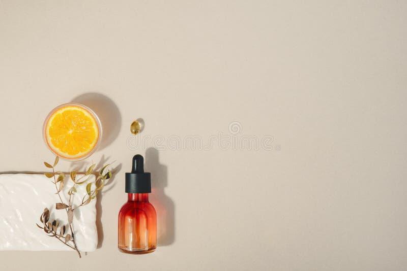 Cosmético natural com vitamina C Conceito dos cuidados m?dicos da beleza da pele Bio produto org?nico Fundo saud?vel fotos de stock