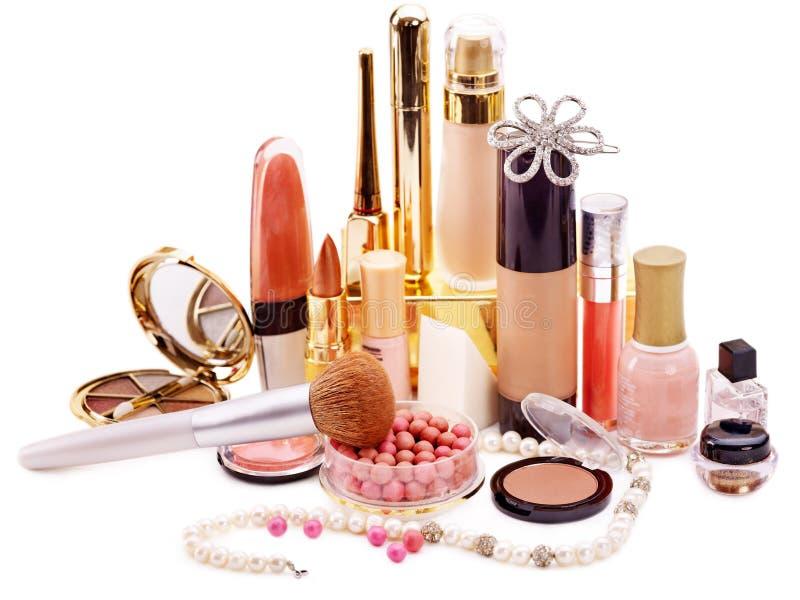 Cosméticos decorativos para el maquillaje. foto de archivo