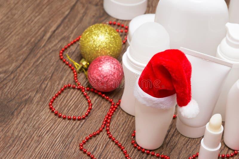 Cosméticos do skincare do Natal com espaço da cópia imagens de stock