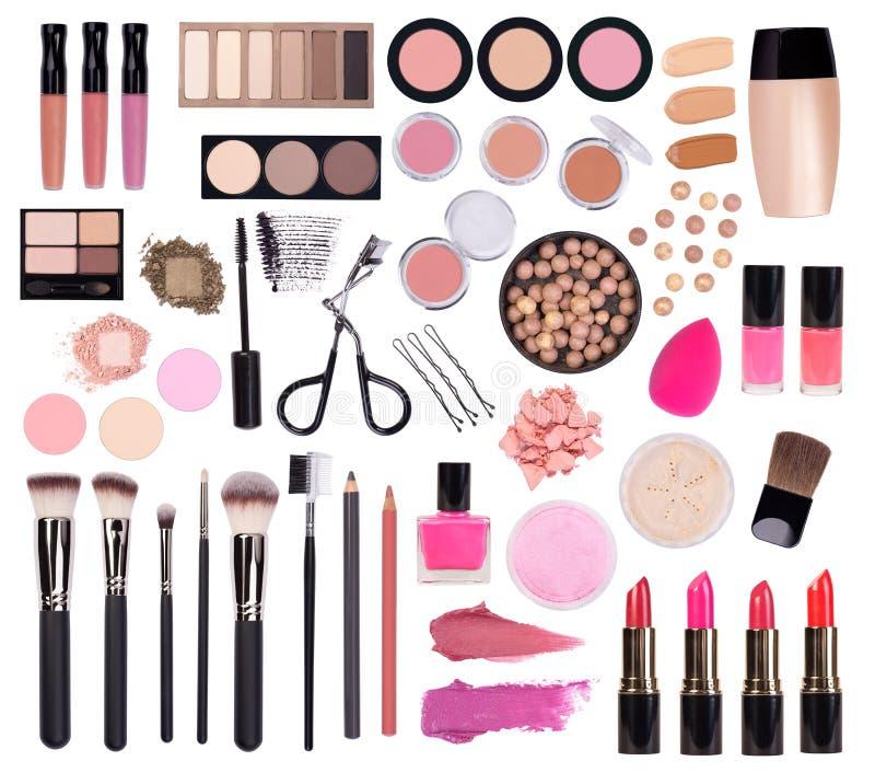 Cosmétiques de maquillage tels que le fard à paupières, le mascara, le rouge à lèvres, l'eye-liner, le vernis à ongles et les acc photo stock