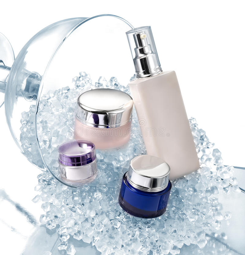 Free Cosmetics Containers Royalty Free Stock Photography - 15985777