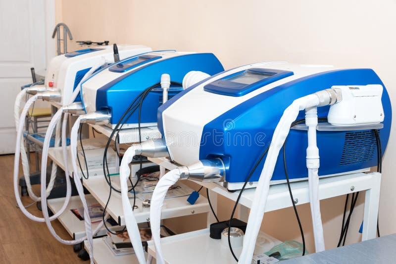 Cosmetologistkabinett in der modernen kosmetischen Klinik Laser-Cosmetology, Dermatologie Haar entfernen Laser-Behandlung medizin lizenzfreie stockfotografie