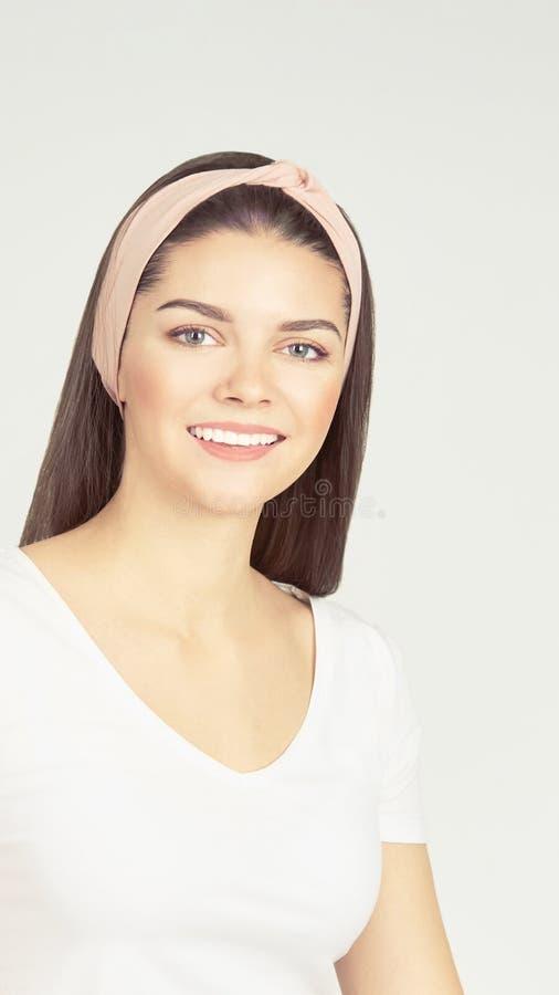 Cosmetology beaty girl portret Vrouw: Spaalsalon Behandeling van huidproblemen Antiacne dermatology procedure stock foto's