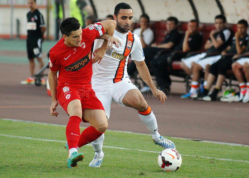 Download Cosmin Matei And Ismaily In Dinamo Bucharest-Shaktar Donetk Editorial Stock Image - Image: 33468419