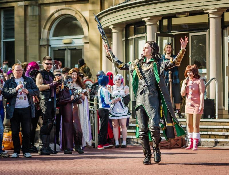 Cosplay como ` del Loki del ` del carácter de la maravilla foto de archivo libre de regalías
