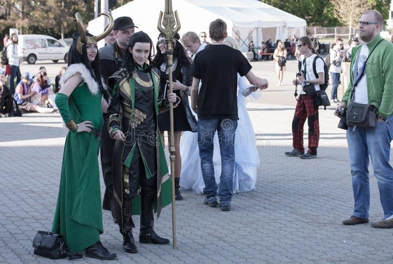 Cosplayers se vistió como la señora Loki y Loki del carácter de la película de la maravilla foto de archivo libre de regalías