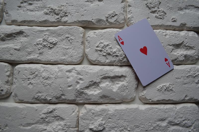 Cosses royales d'instantané de casino de cartes de jeu tisonnier casino images libres de droits