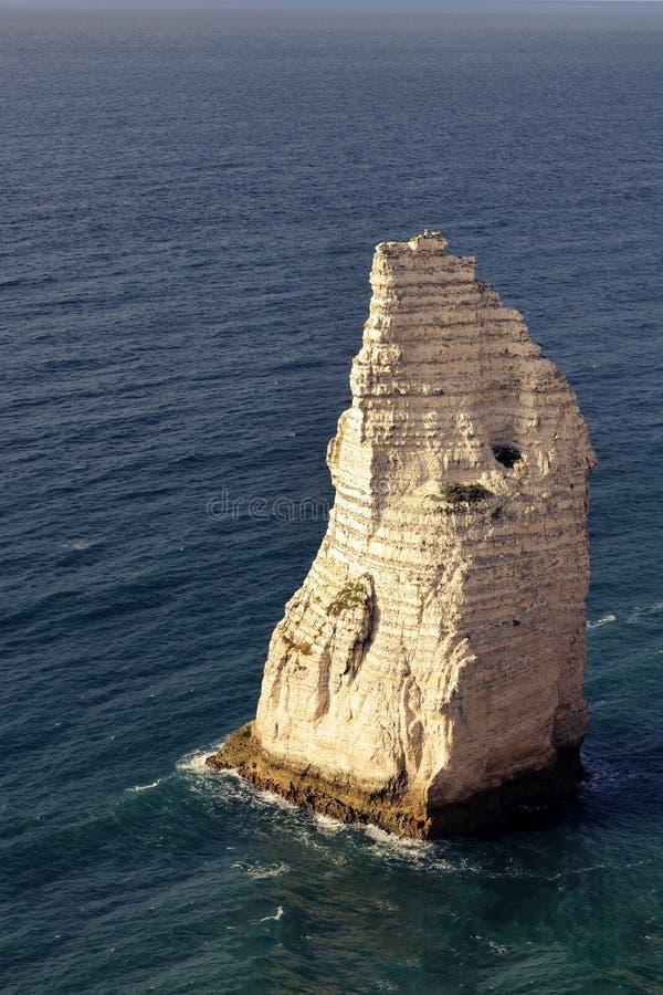 Costa acentuada Normandía Francia del alabastro de Etretat de la aguja fotografía de archivo libre de regalías