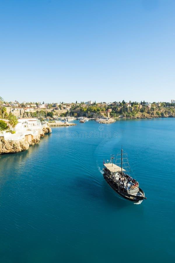 Costa Antalya Turquia do porto do barco do cruzeiro do turista fotos de stock