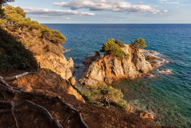 Costa Brava Coastlline von Mittelmeer in Spanien lizenzfreie stockfotografie