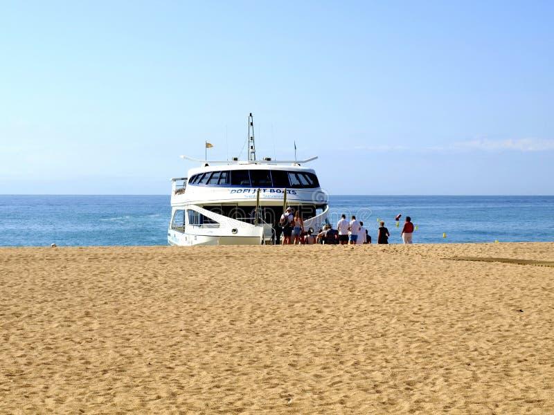 Costa Brava Ferry på Malgrat de Fördärva, Spanien. fotografering för bildbyråer