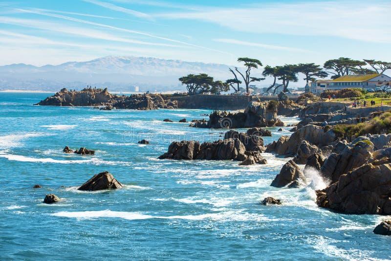 Costa Cênnica de Monterey, bela costa da Califórnia, Pacífico Grove, Monterey, Califórnia, EUA imagem de stock royalty free