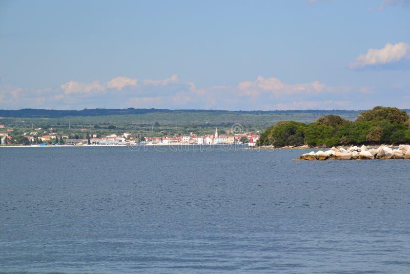 Costa costa croata - Fazana foto de archivo libre de regalías