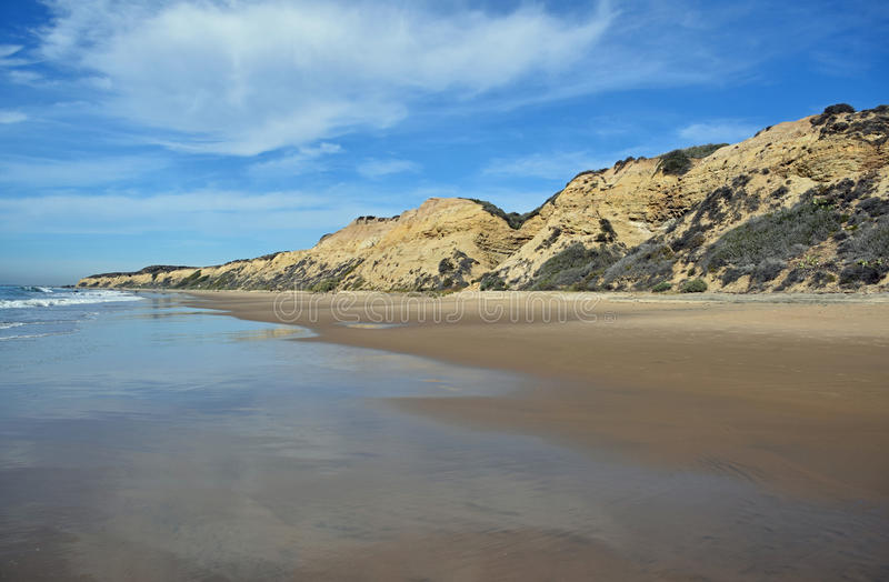 Costa costa en Crystal Cove State Park, California meridional imagen de archivo