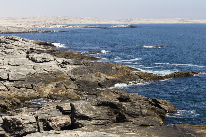 Costa costa en el punto de Díaz, Namibia, África fotos de archivo