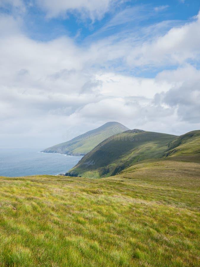 Costa costa en la isla de Achill, Irlanda fotografía de archivo
