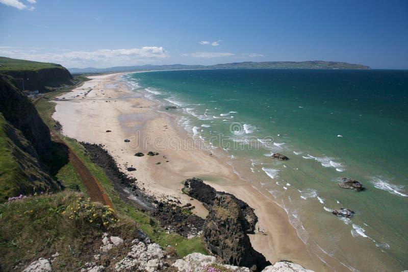 Costa costa irlandesa norteña imágenes de archivo libres de regalías