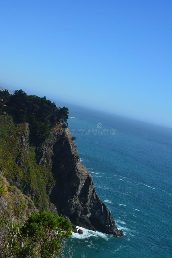 Costa costa magnífica de California de la costa central de Big Sur - punto desigual imágenes de archivo libres de regalías