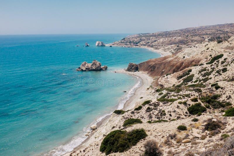 Costa costa y mar de la roca en Chipre imagen de archivo libre de regalías