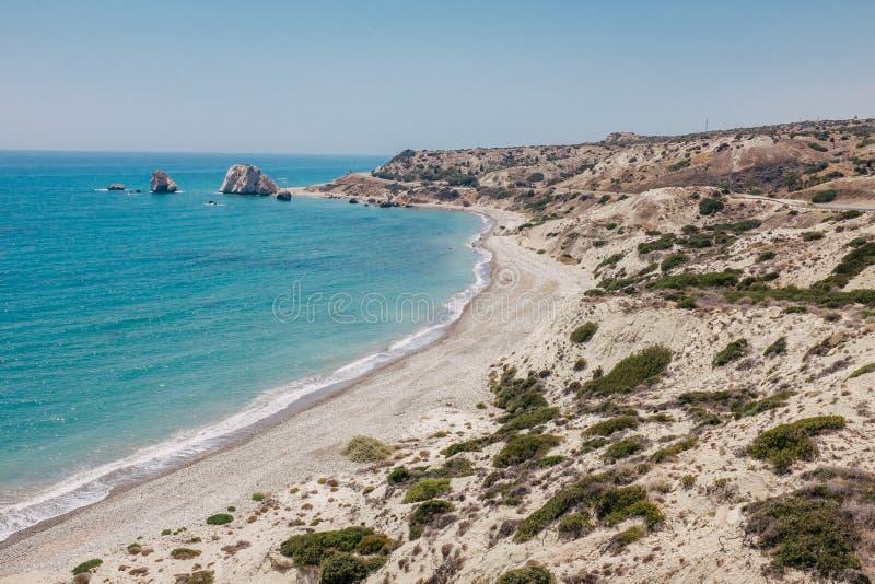 Costa costa y mar de la roca en Chipre fotografía de archivo libre de regalías