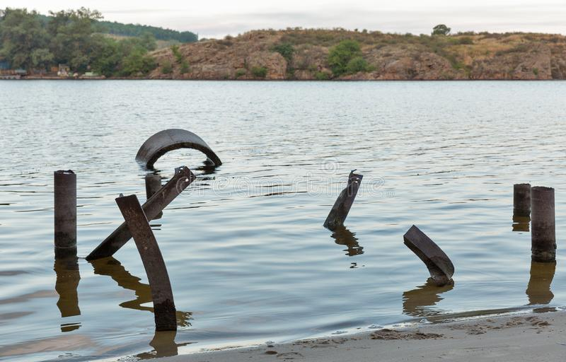 Costa da areia do rio de Dnieper na ilha de Khortytsia, Ucrânia foto de stock royalty free
