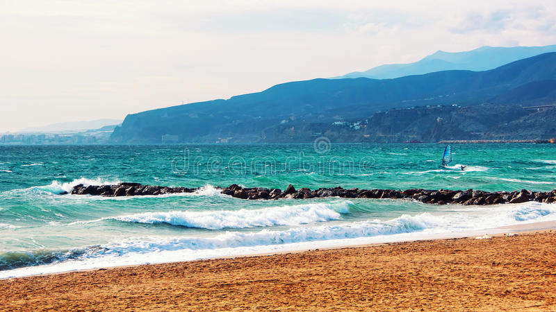 Costa de Almeria, Spanien-Strand mit dem Kitesurfing stockbilder