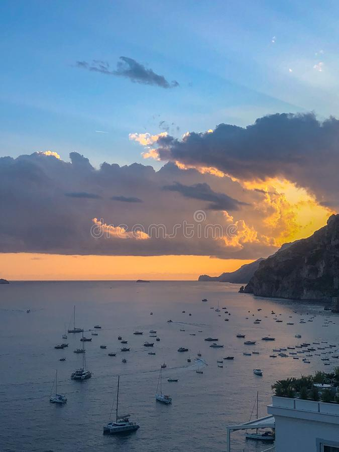 Costa de Amalfi, vertical de Italia jpg fotografía de archivo libre de regalías