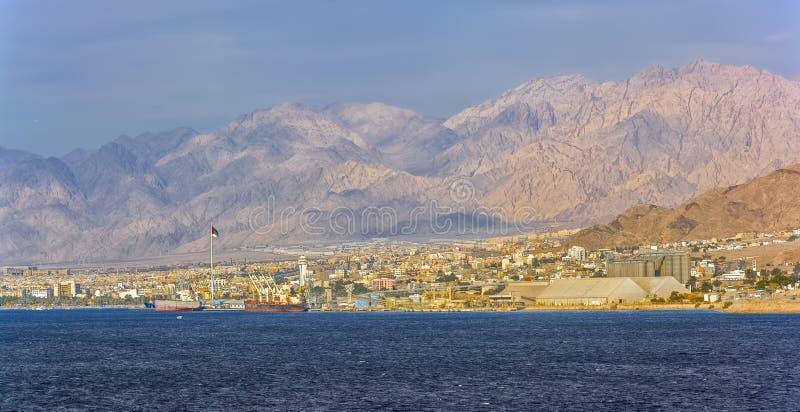Costa de Aqaba y puerto marítimo de Aqaba, Jordania foto de archivo libre de regalías